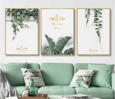 "Картина над диваном в зеленом цвете ""Плющ"""