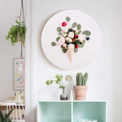 Круглая картина с цветами