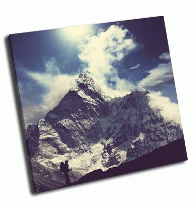 Картина альпинист в гималайских горах