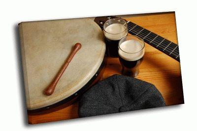 Картина барабан и две бокала пива