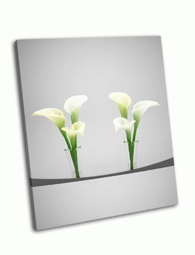 Картина белые каллы на сером фоне