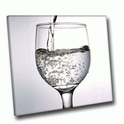Картина бокал с водой