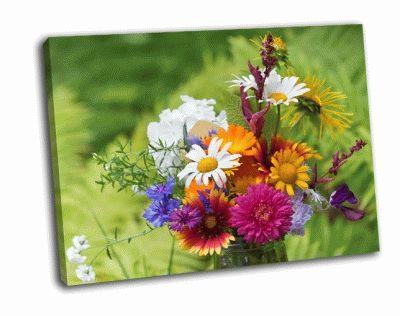 Картина букет из садовых и полевых цветов