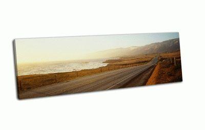Картина дорога вдоль побережья