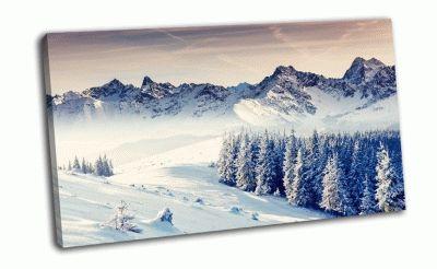 Картина фантастический зимний пейзаж в горах