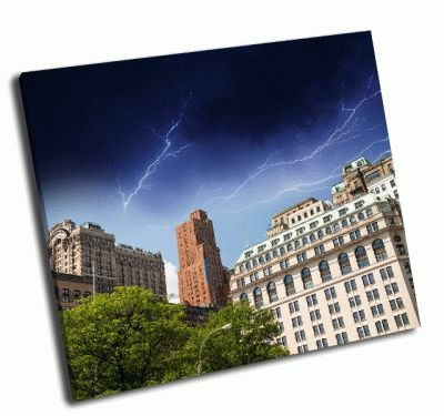 Картина гроза над нью-йорскими небоскребами