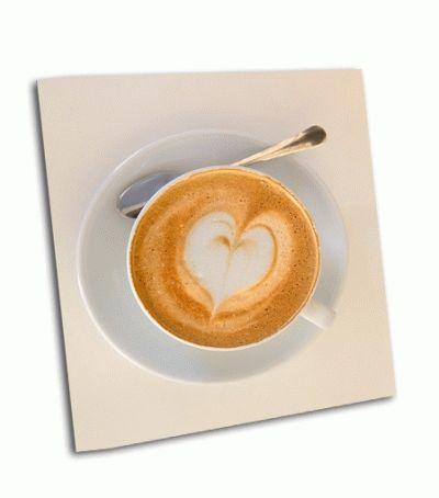 Картина капучино с формой сердца