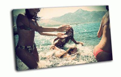 Картина лето, море, брызги, веселье