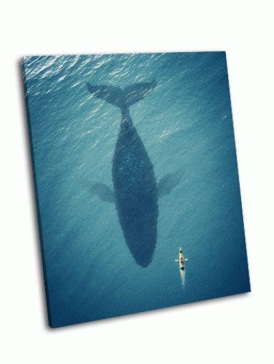 Картина лодка плывет рядом с китом
