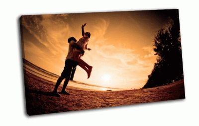 Картина любовь на закате
