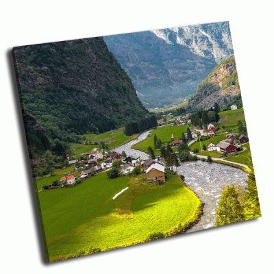 Картина маленькая долина в норвегии