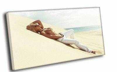 Картина на песчаном пляже