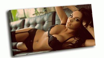 Картина неплохо на диване