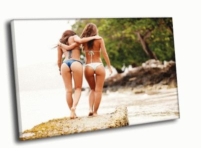 Картина подруги на островах