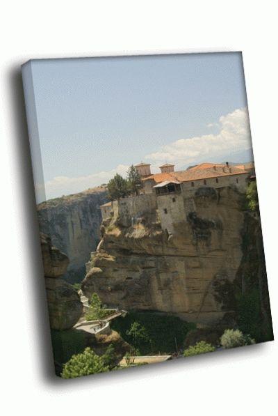 Картина постройка на отвесной скале