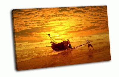 Картина рыбаки в море рано утром