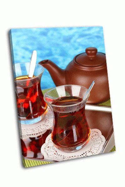Картина стекло турецкого чая и чайник