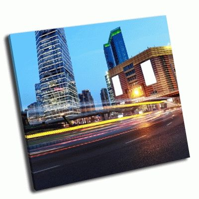 Картина свет на фоне современного здания в шанхае