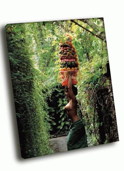 Картина туземка с фруктами на голове