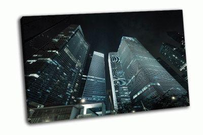 Ночной вид офисных зданий
