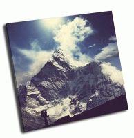 Альпинист в Гималайских горах
