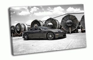 Aston Martin вид сбоку