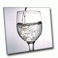 Бокал с водой
