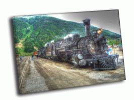 Большой старый паровоз
