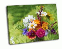 Букет из садовых и полевых цветов