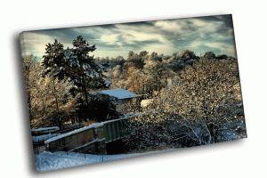 Домишка в зимнем лесу