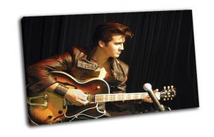Elvis Presley с гитарой