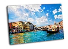 Гранд-канал с гондолами в Италии