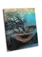 Изображения рук в медитации с деревом