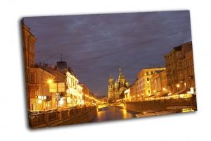 Канал Грибоедова в желтом
