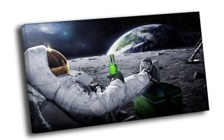 Космонавт с пивом