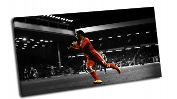 Красный футболист