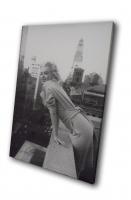 Мерелин Монро на балконе