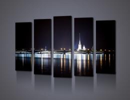 Ночной вид на Петропавловскую