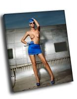 Стюардесса в синем