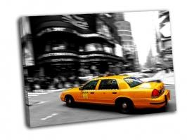 Такси на Таймс сквер в Нью-Йорке
