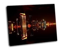 В центре города Дубая ночью