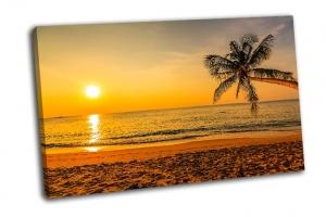 Великолепный закат на пляже