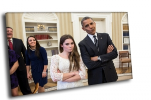 Веселые Обама и гимнастка