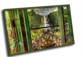 Вид на фонтаны Петродворца из окна