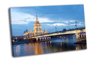 Вид на Московсую гостиницу