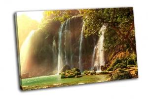 Водопад Детиан во Вьетнаме